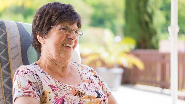 servicio ayuda a domicilio a mayores en Valencia